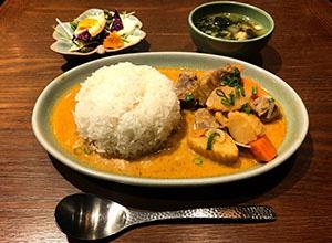 ブルーパパイアタイランド京橋エドグラン店(Blue Papaya THAILAND)